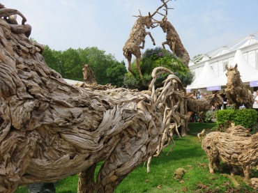Amazing sculptures made from drift wood