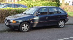 1994_Vauxhall_Astra_1.4_Cesaro_(12857158334)