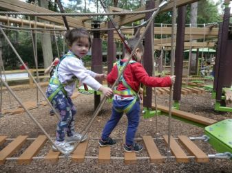 Mei-Yan and Joe-Yien on the kiddie high ropes course!