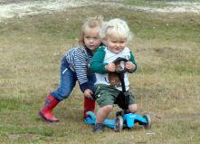 Soraia pushing Leo!